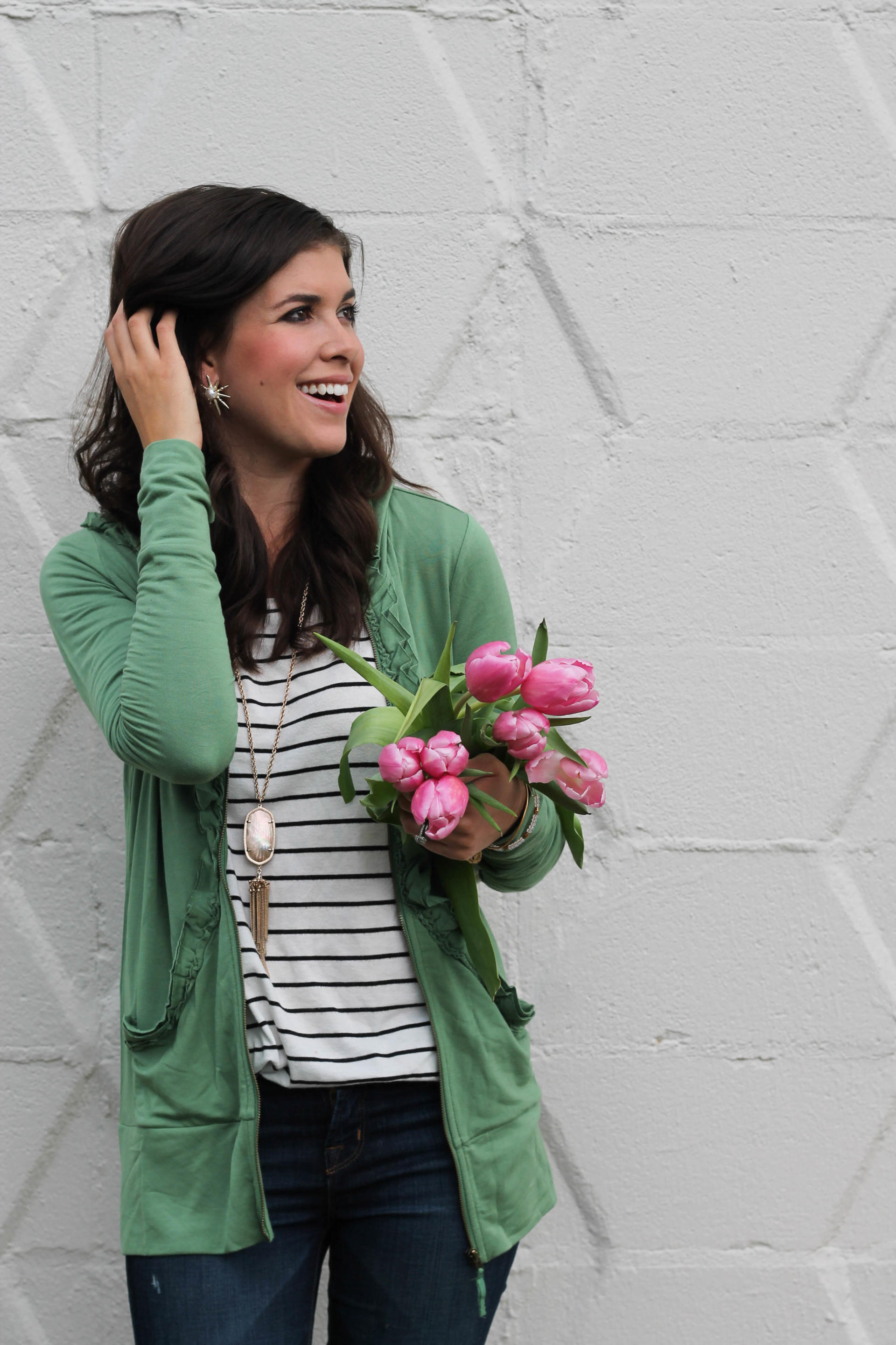 "<img class=""alignnone size-full wp-image-3136"" src=""http://stylewaltz.com/wp-content/uploads/2017/03/IMG_7478.jpg"" alt=""A Green Spring Jacket"" />"