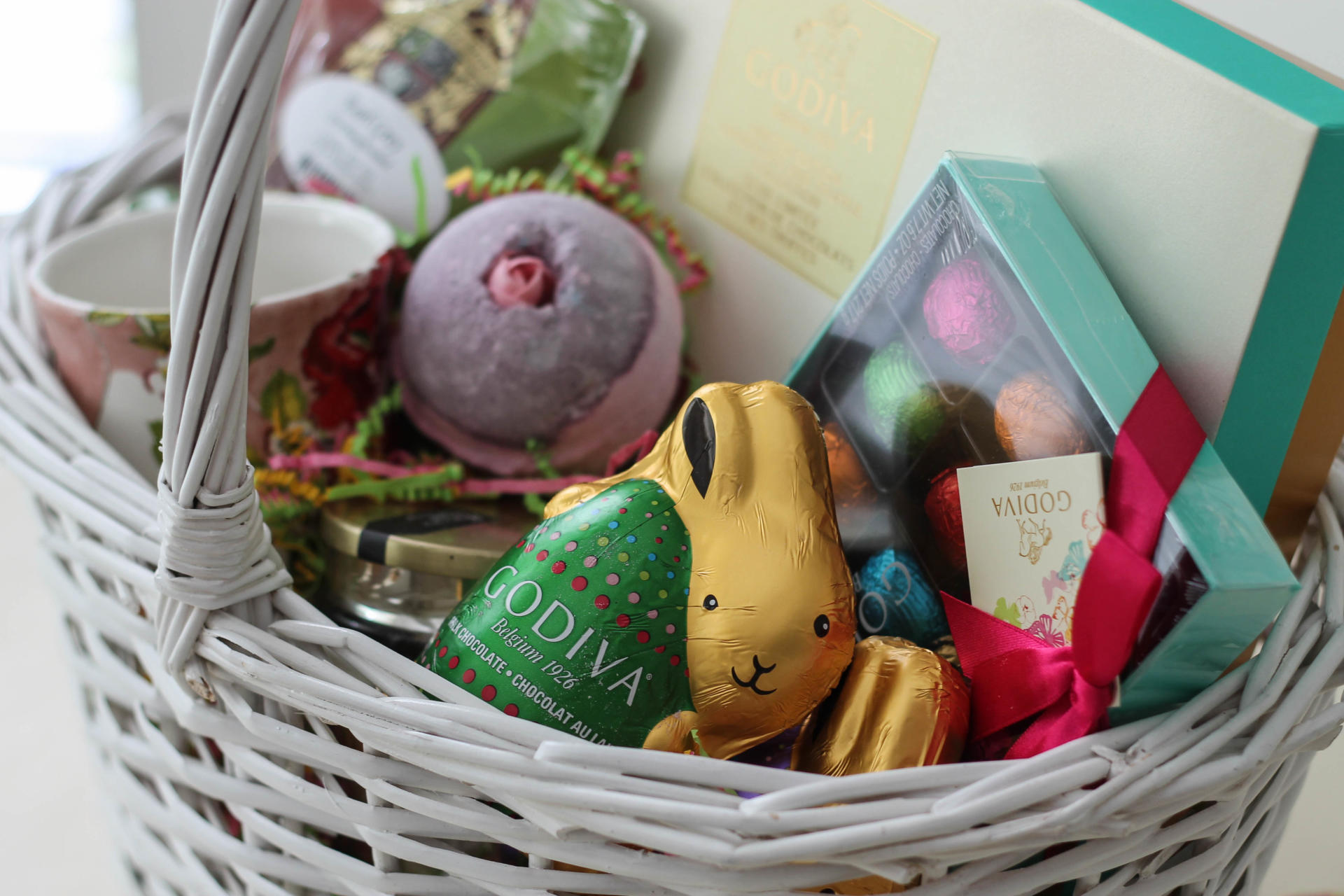 A Hostess Easter Basket Idea