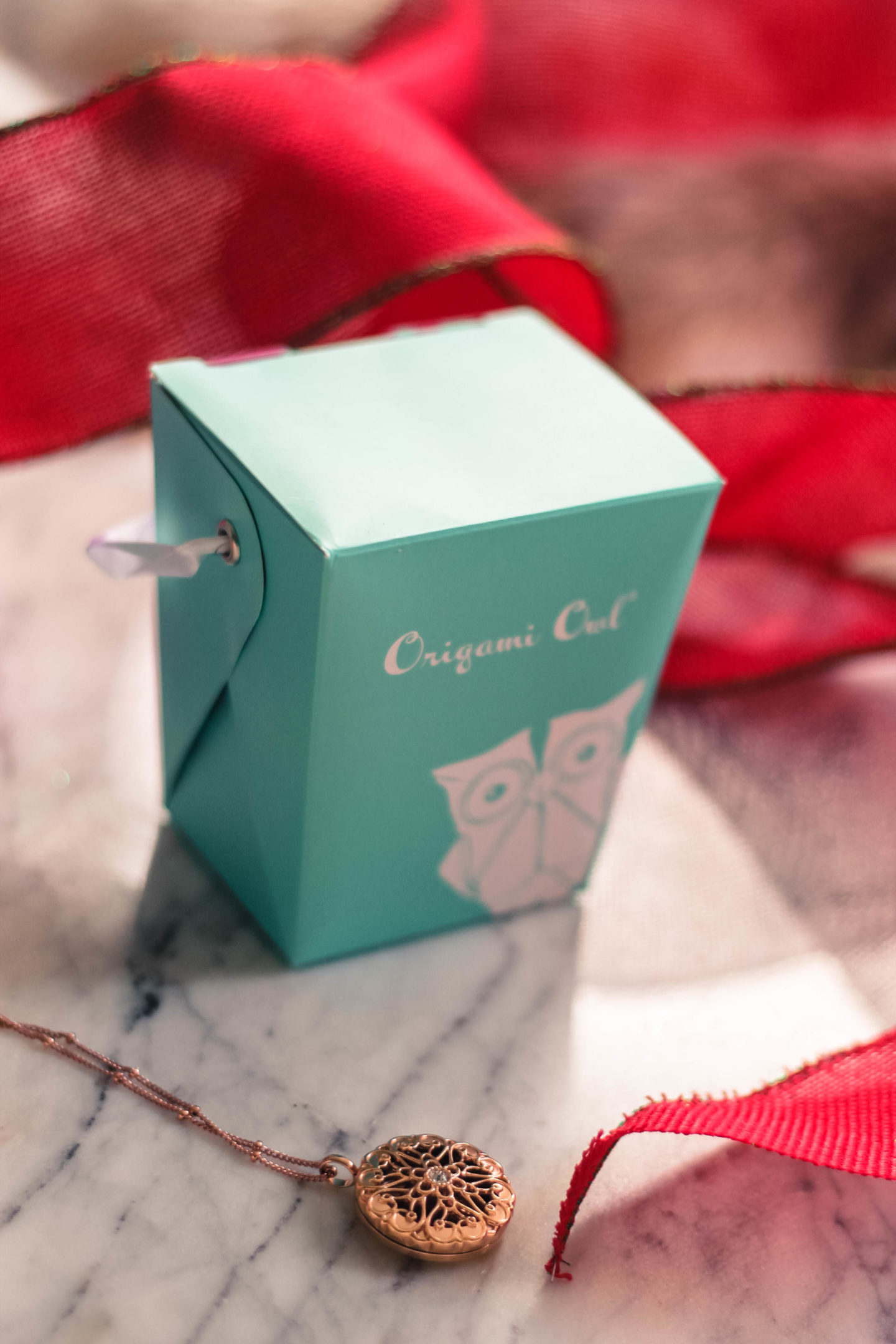 The Perfect Christmas Present With Origami Owl: Essential Oil Necklace - A Christmas With Origami Owl Lockets by New Jersey style blogger Style Waltz