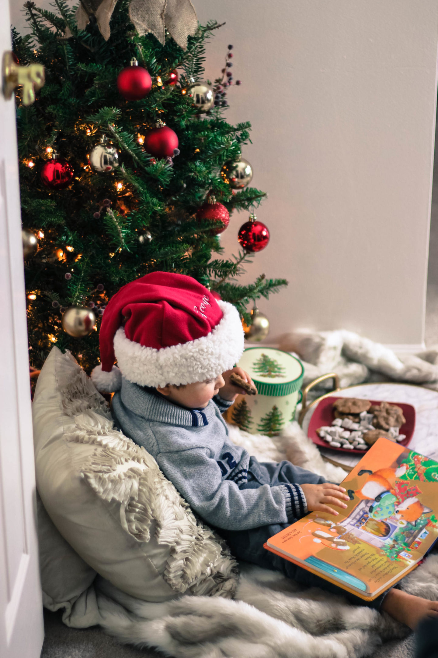 Apartment Therapy: Creating A Cozy Christmas Corner
